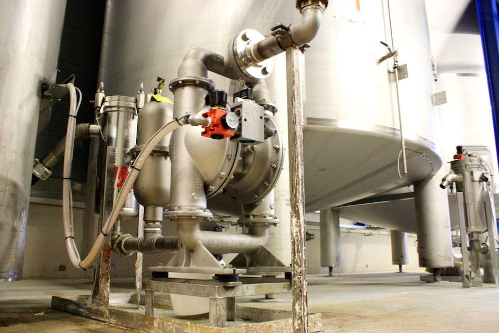 may bom mang khi nen - Phân biệt máy bơm màng chạy điện và máy bơm màng khí nén